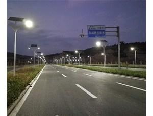 山西威廉希尔公司app路灯让农村的夜晚不再伸手不见五指。金三普为您介绍